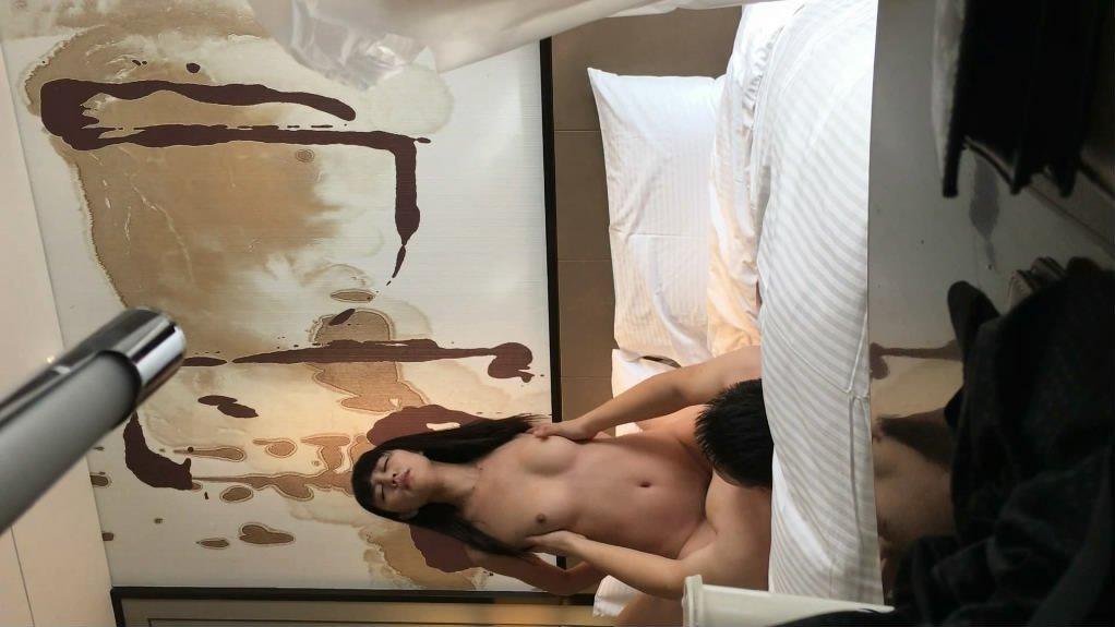 老婆周日加班和她的闺蜜酒店开房啪啪玩得正爽媳妇来短信了闺蜜想