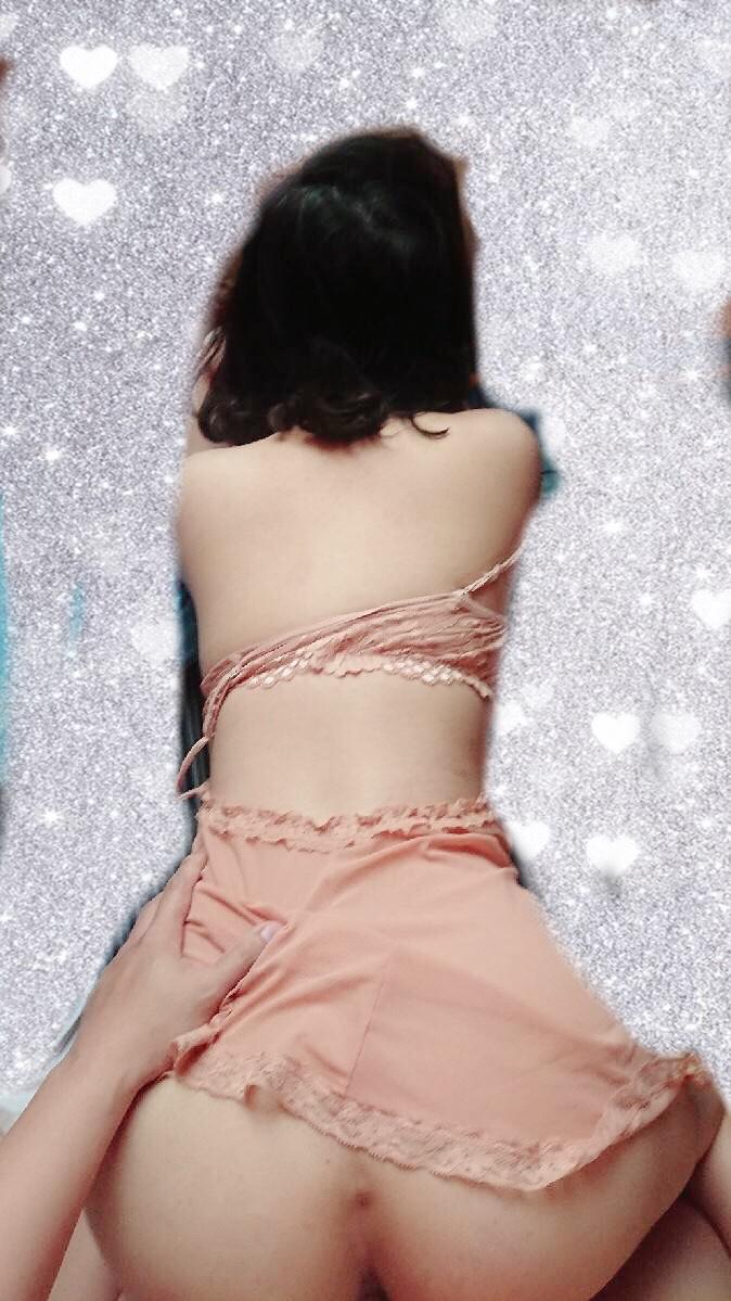 台南美少女和服裝扮好誘惑,這身材和雪白美腿實在太犯規!全新台南外送茶妹在此推薦