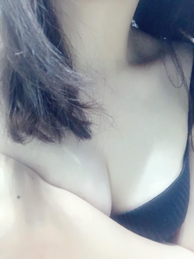甜萌正妹人美心善 三位一體極品妹出現 2019台南外送茶妹推薦