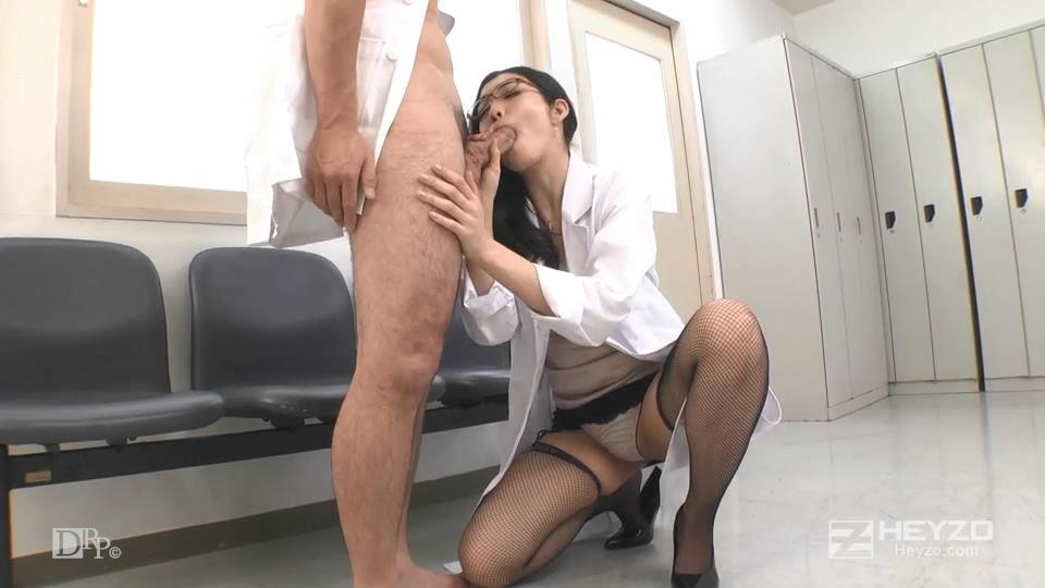 这幺骚的漂亮美女医生玩弄勾引简直受不了冲动想操穴 丰满丝袜极