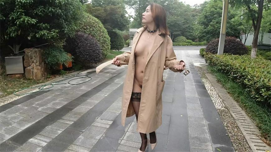 最新美乳网红火儿『舌尖上的高潮』羞耻裸体游街 媲美『北京天使