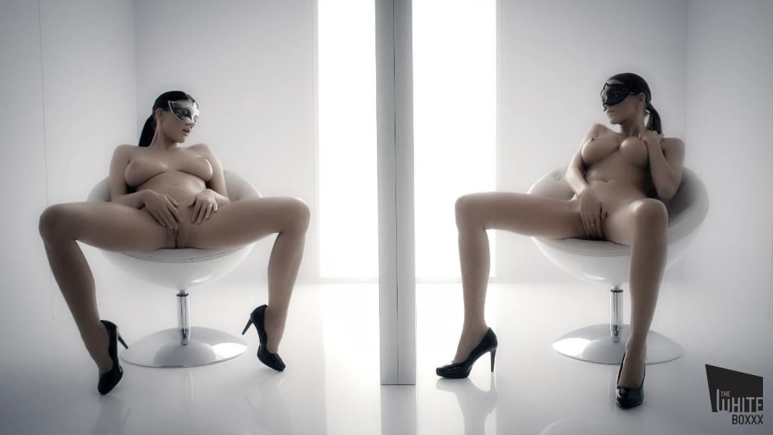 成人站最新流出收费大作身材完美性感女模与甜美情人的幻影镜中的