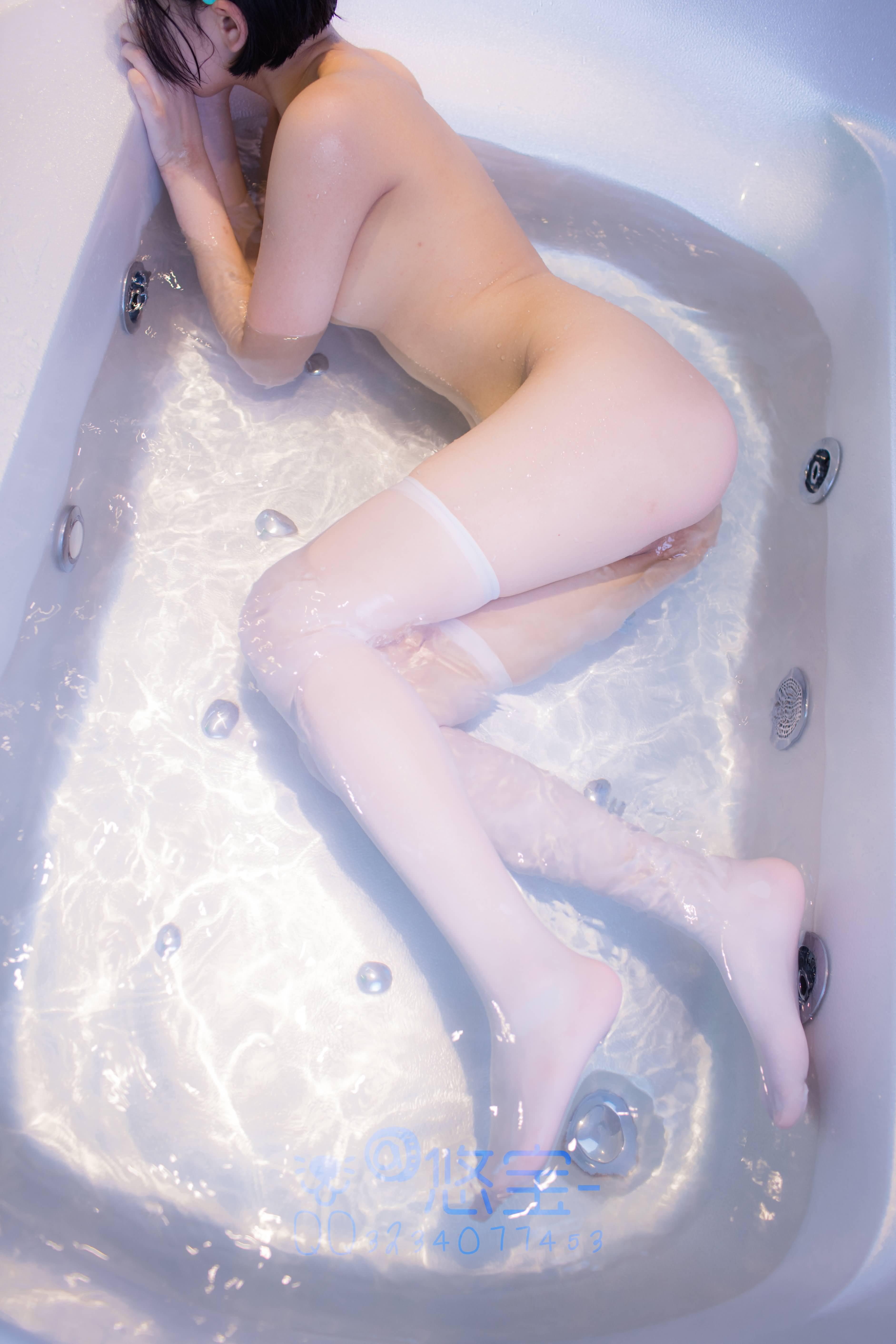 TQJEWu - Japanese school girl white swimsuit stocking cosplay SM bundle masturbation 悠宝三岁 白丝死库水