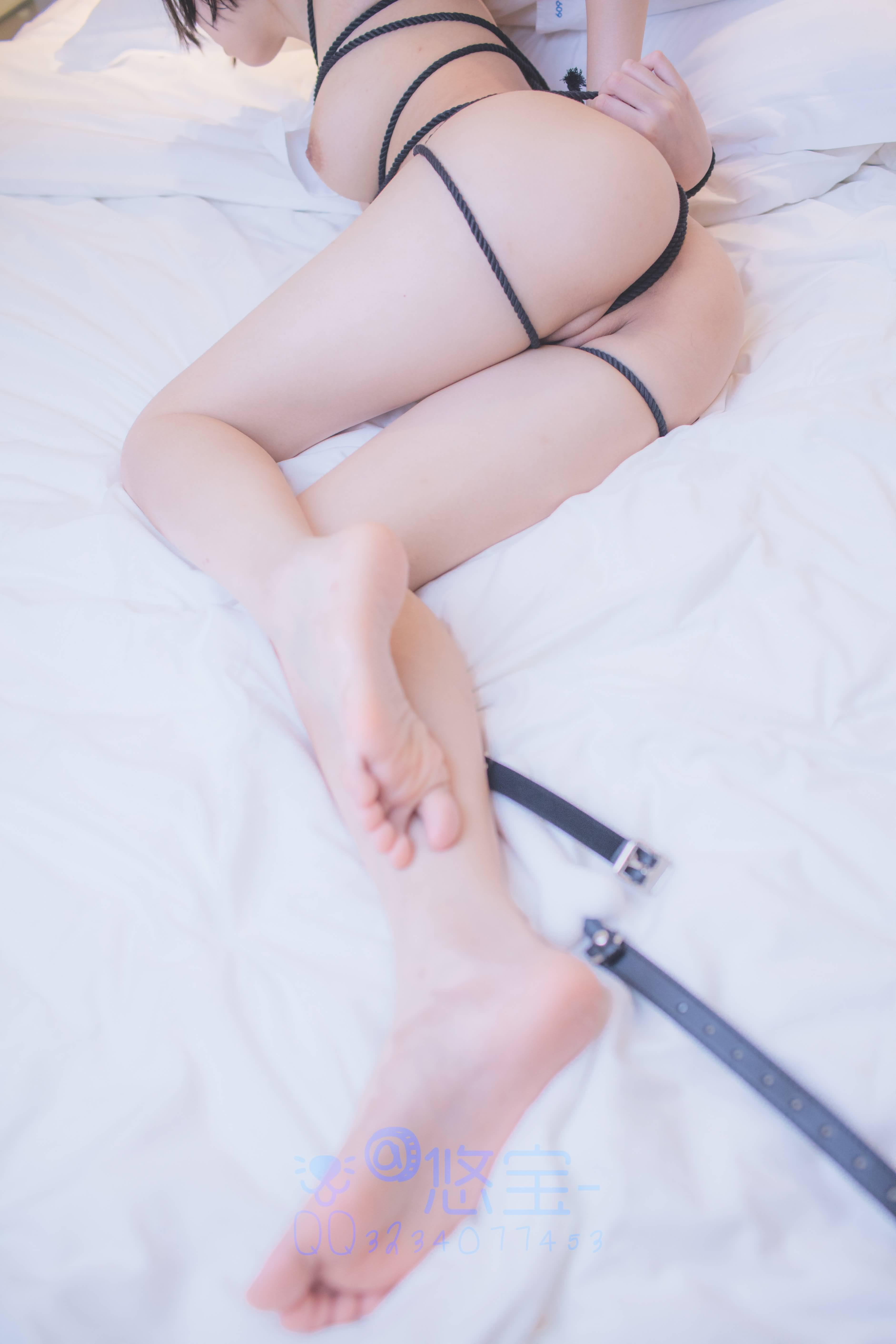 nRYNBt - Japanese school girl white swimsuit stocking cosplay SM bundle masturbation 悠宝三岁 白丝死库水