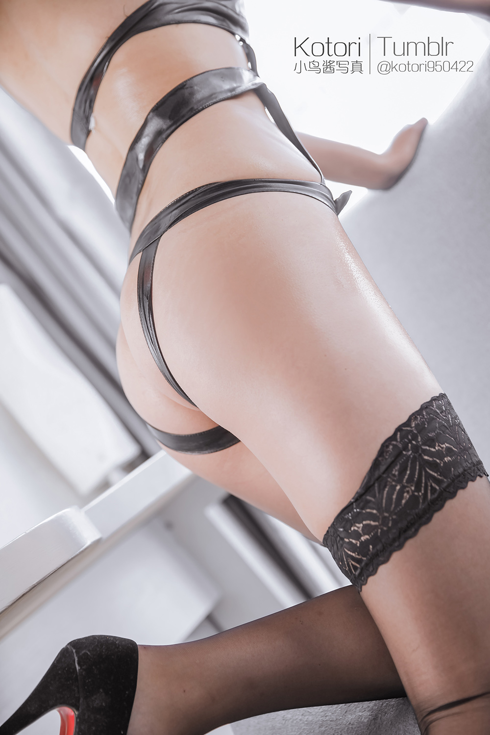 Duj1oz - Cosplay girl PR社 福利姬 小鸟酱系列–黑色束缚衣