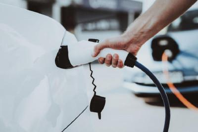 不值钱的二手新能源车