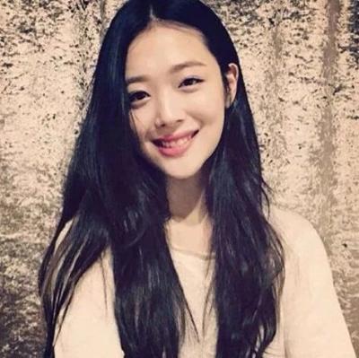 SM公司宣布雪莉葬礼将以非公开形式进行,在韩国当明星有多恐怖?