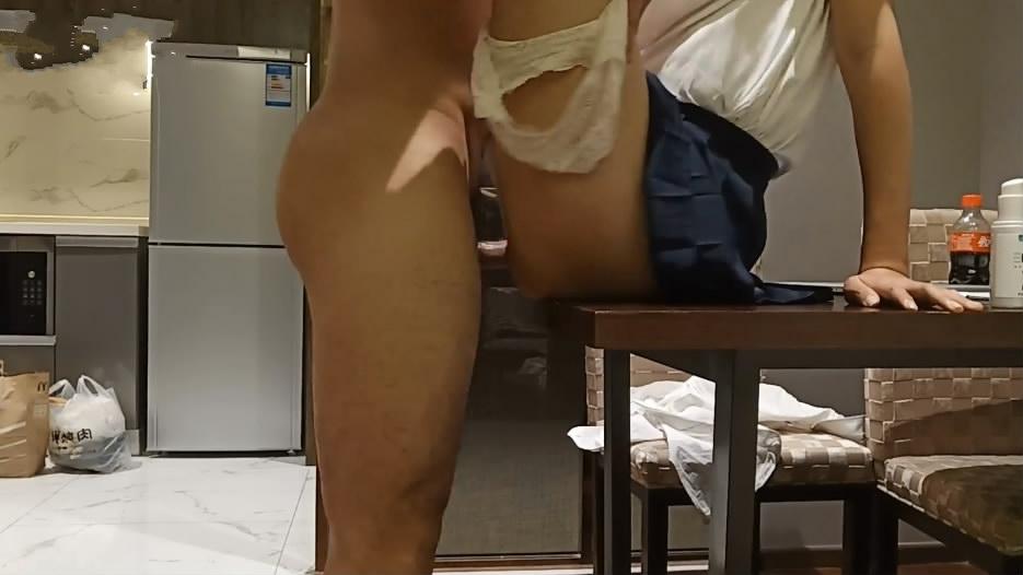 风公子私人公寓约会外国语大学气质美女大学生身材纤细性感美腿桌子上激战叫声一流干的叫爸爸对白淫荡1080P原版