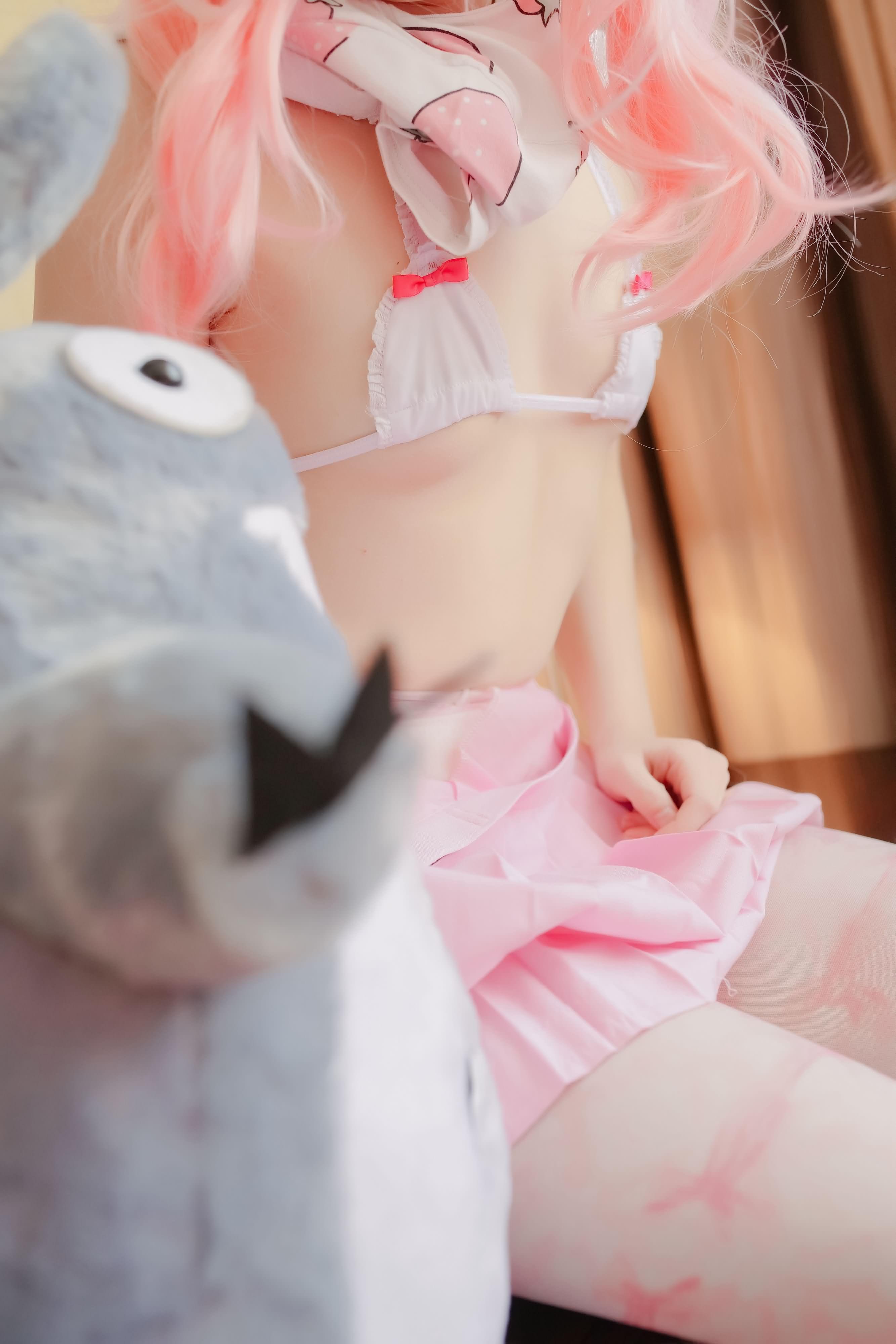 ILkVvo - 【The Girl Theater】 少女映画 Cosplay 龙猫与少女 90P
