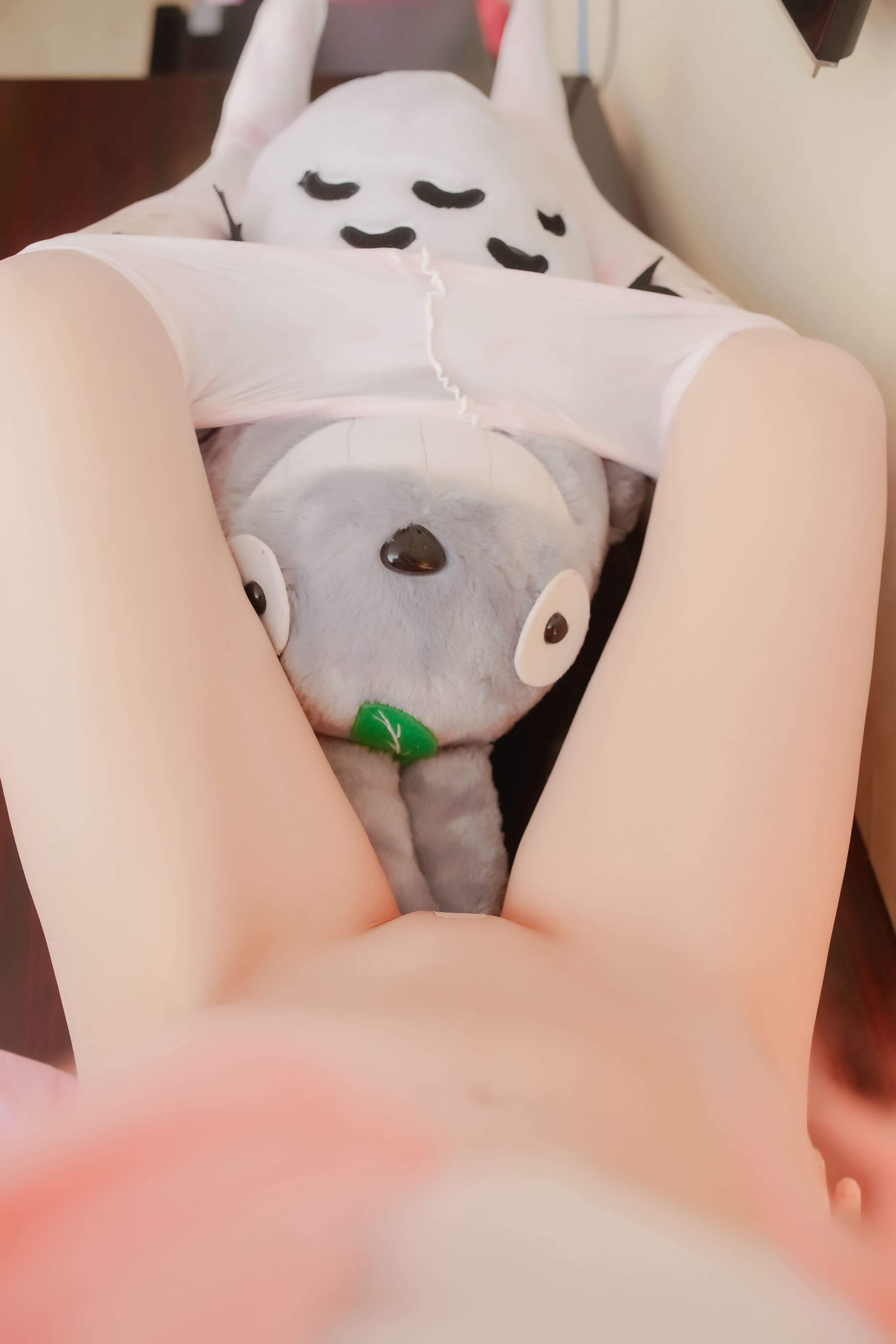 y7iCdD - 【The Girl Theater】 少女映画 Cosplay 龙猫与少女 90P