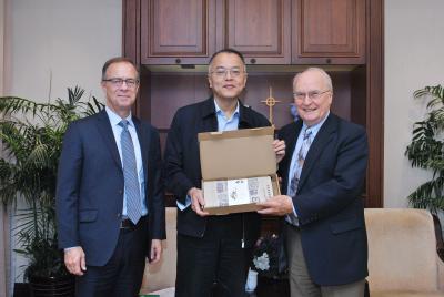 美国柳溪教会主席一行访问中国基督教两会