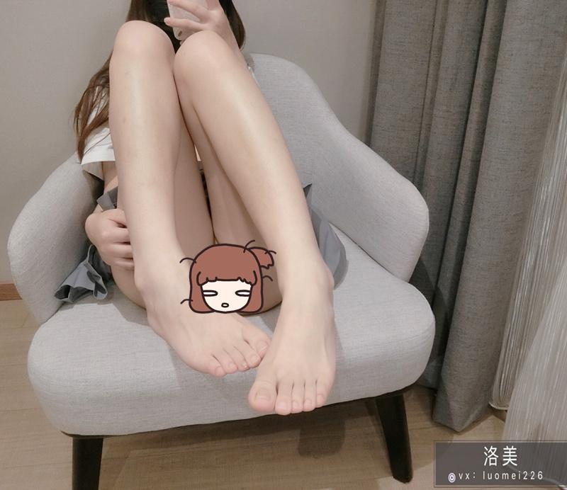 洛美 – JK白丝裤袜ZW [28P+3V/373MB]