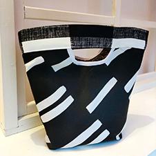 黑白手提包