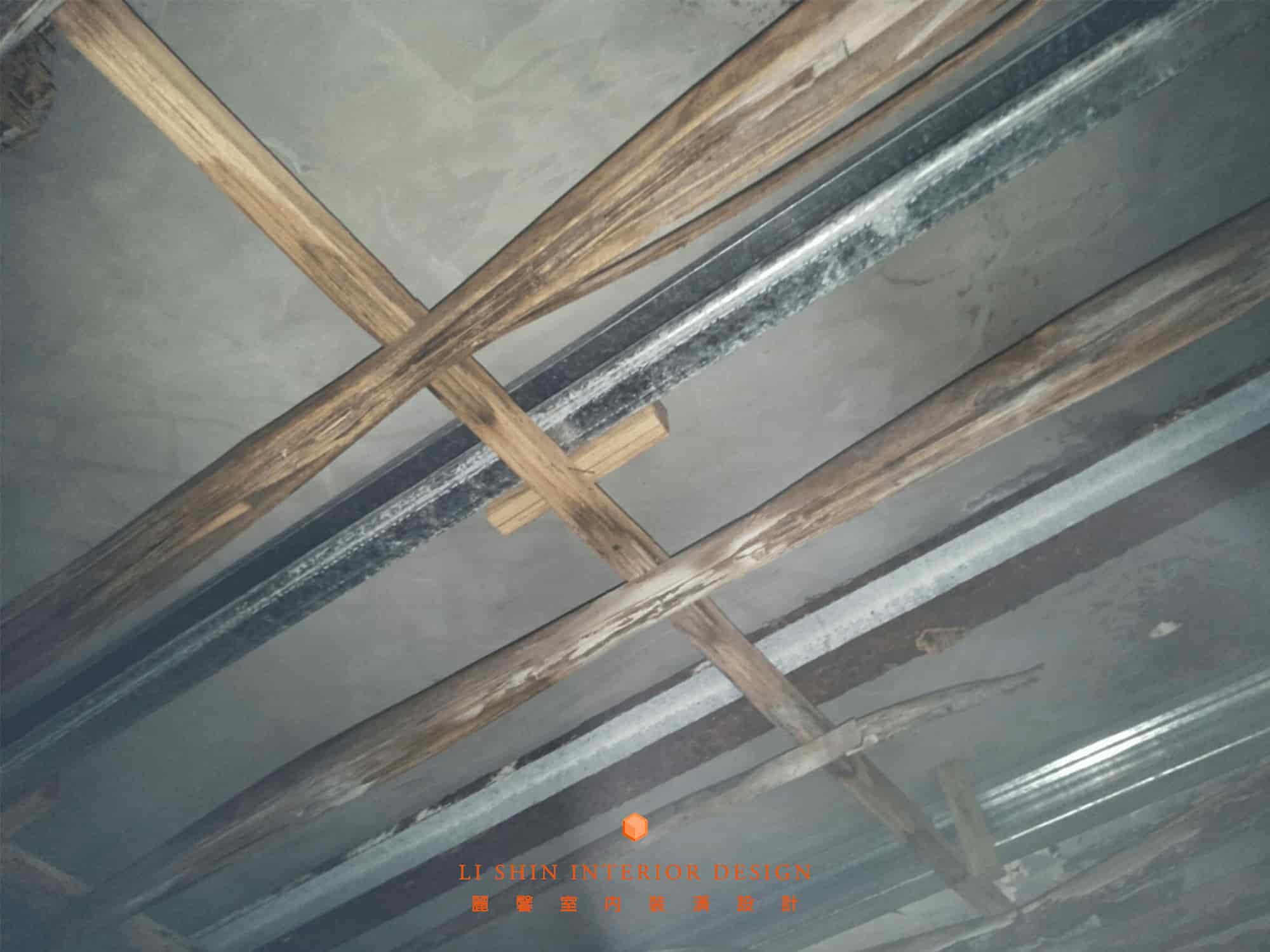 集層材潮濕會有脫膠的情形,結果就是集層角材會散開。