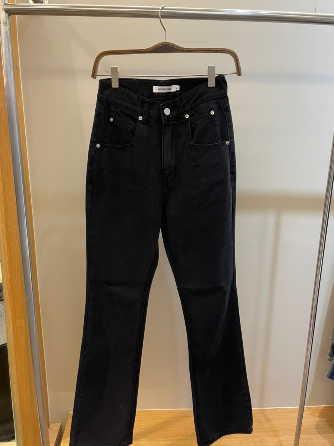 (N13)微喇叭黑牛仔褲