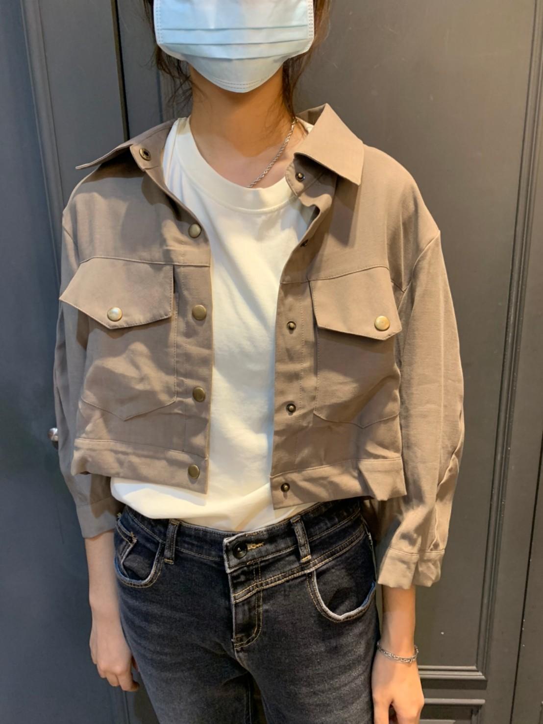 (N16)多扣挺版薄外套